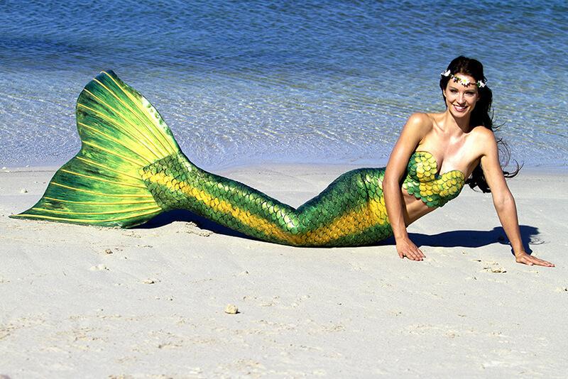 Meerjungfrauenmodel in Silikonflosse