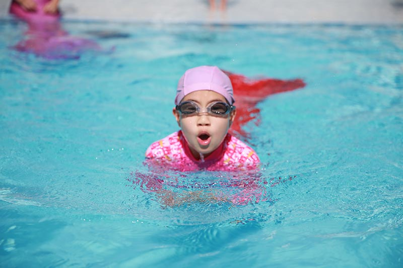 Meerjungfrauenkurs für Kinder