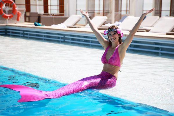 Eröffne eine Meerjungfrauenschwimmschule
