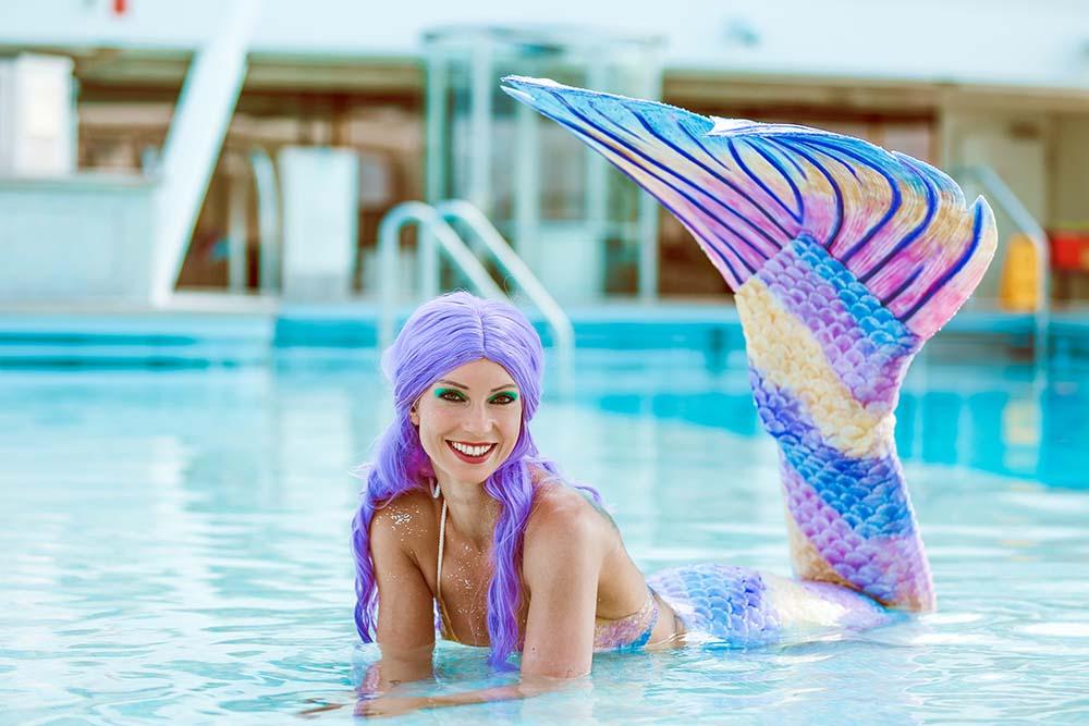 Mermaid Kat ist Profi-Nixe