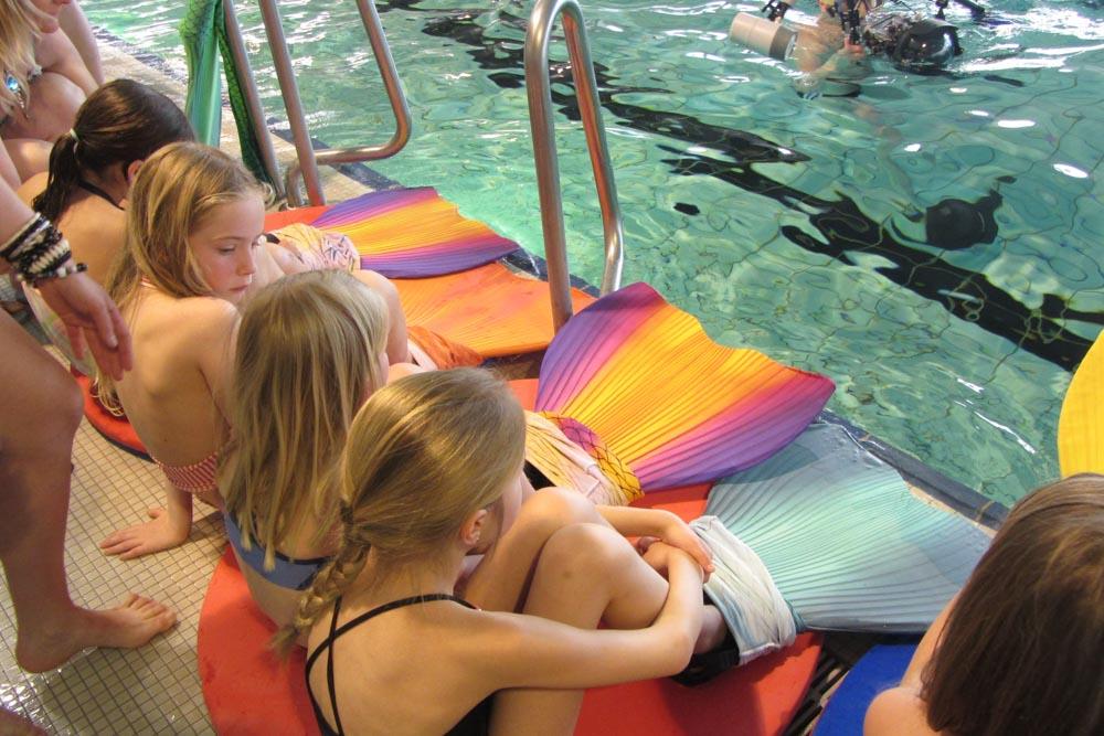 In Lehrte bei Hannover gibt es jetzt Meerjungfrauenschwimmen