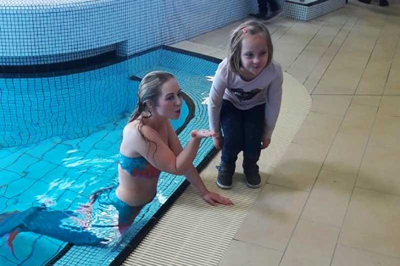Meerjungfrauen-Kurs-Trainerin Jessi im Schwimmbad Langenhagen