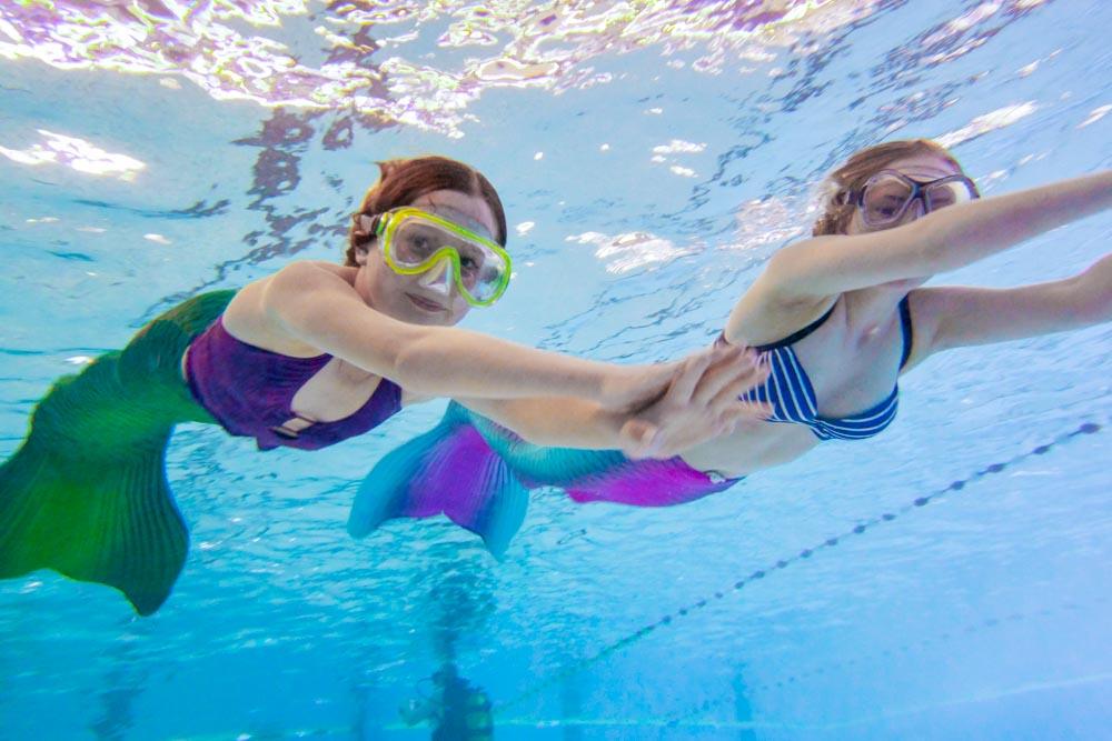 Meerjungfrauenschwimmen und Kurse