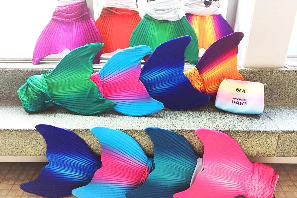 Schwimmen wie eine Meerjungfrau mit Meerjungfrauenflossen vom Mermaid Kat Shop