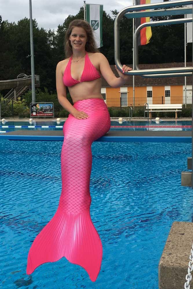 Lea ist Meerjungfraueninstruktorin der Mermaid Kat Academy