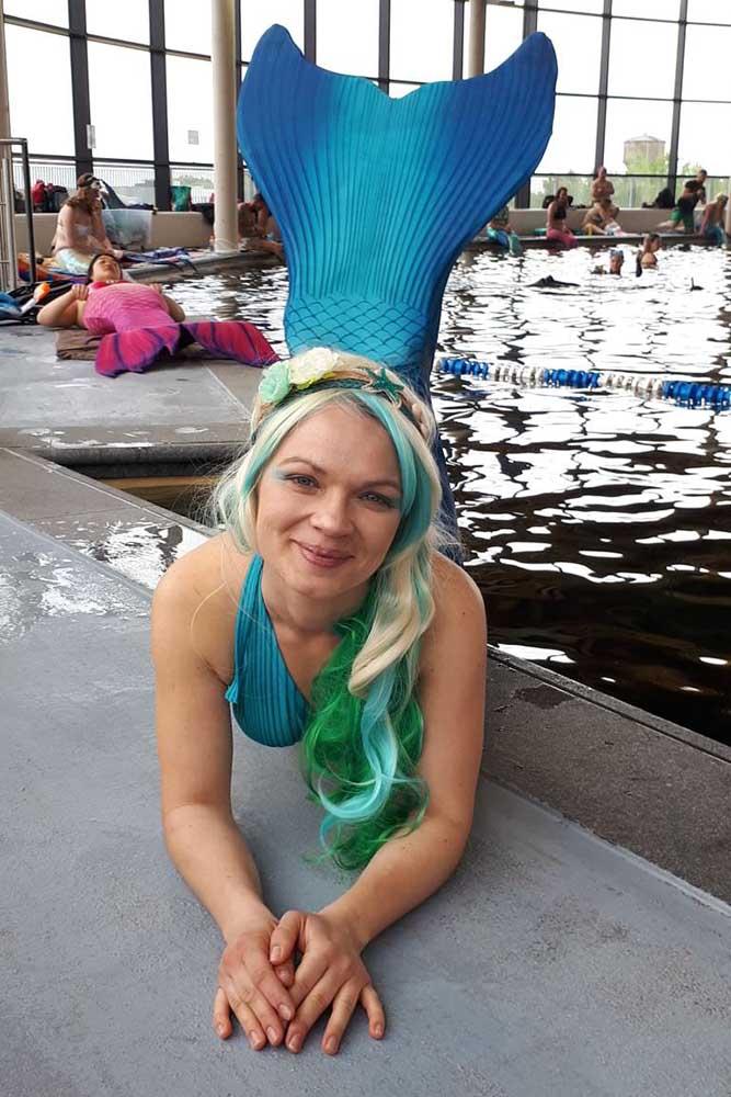 Tina unterstützt unser Meerjungfrauenteam in Bayern