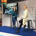 Professionelle Meerjungfrau Mermaid Kat unterstützt die Deutsche Meeresstiftung auf der Boot Messe in Düsseldorf