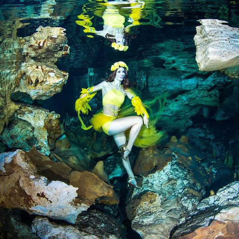 Unterwassermodel Mermaid Kat - Unterwasser Fotoshooting in Mexiko