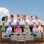 Meerjungfrauen auf der Luxusyacht auf den Malediven