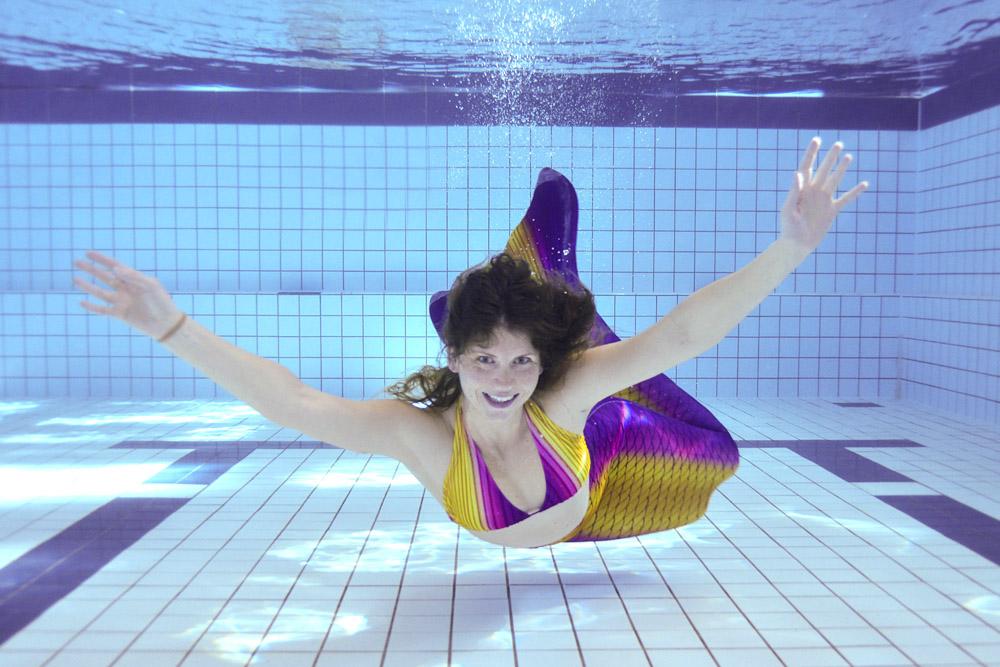 Ally unterrichtet Mermaiding-Schwimmkurse in Brandenburg