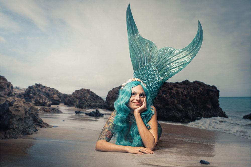 Meerjungfrau Naurielle arbeitet als Meerjungfrauen-Instruktorin bei der Mermaid Kat Academy