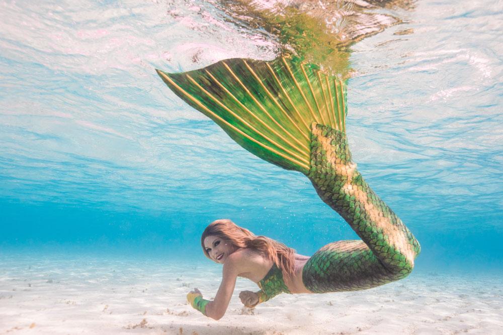 Unterwasser-Meerjungfrauen-Fotoshooting auf den Malediven mit Mermaid Kat