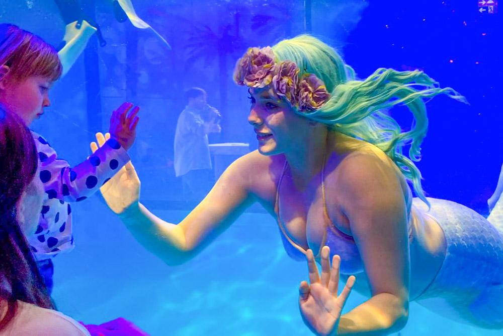 Unterwasser Meerjungfrauen Show - Meerjungfrauen Entertainment