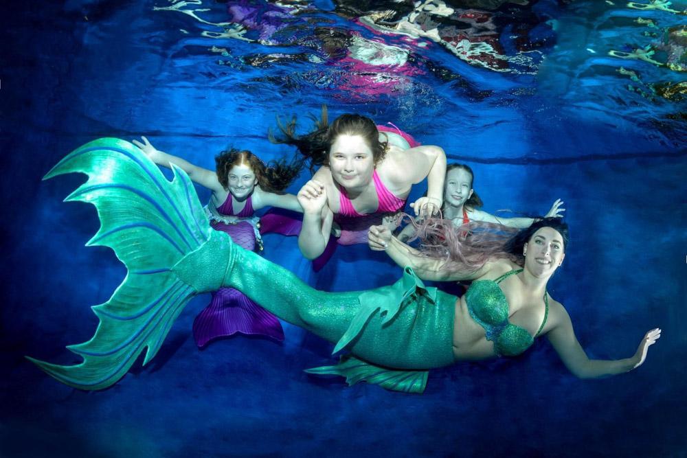 Ein Meerjungfrauen-Tag mit Make-A-Wish und der Mermaid Kat Academy